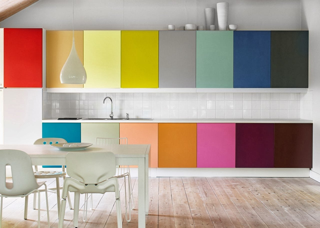 Bright colors in kitchen design her beauty for Color design for kitchen