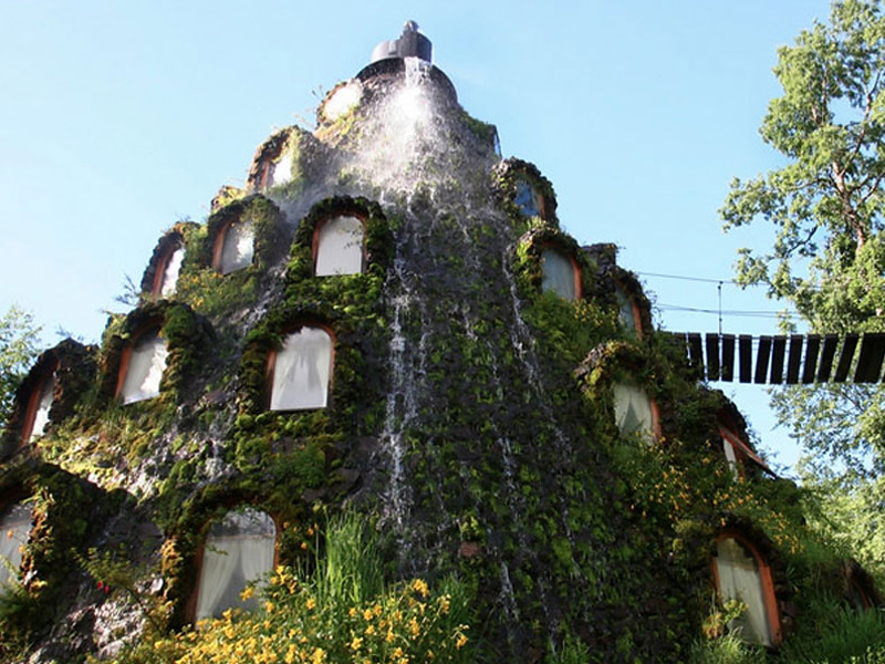 The most amazing unusual hotels around the world part 2 for Interesting hotels around the world