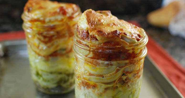 14 Sweet & Savory Mason Jar Meals Ideas To Spice Up Your ...