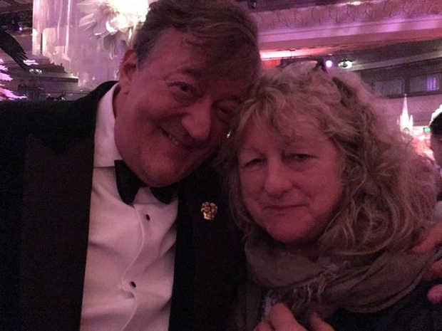 stephen_fry_deleted_his_twitter_account_after_bafta_controversy_03