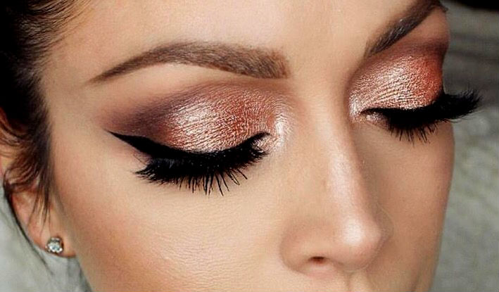 reasons-you-need-to-be-rocking-rose-gold-makeup-00