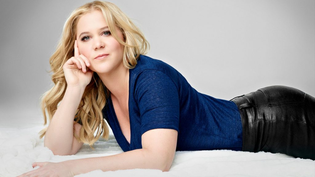 10 surprising facts about Amy Schumer you didn't know_01