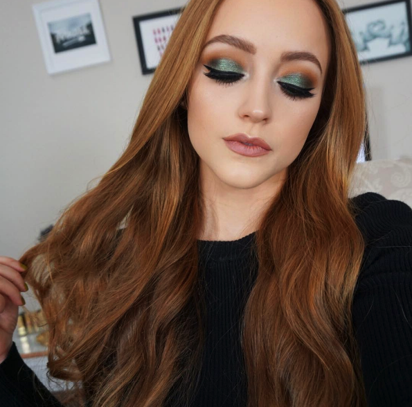 9 Christmas Makeup Ideas for Your Inspiration5