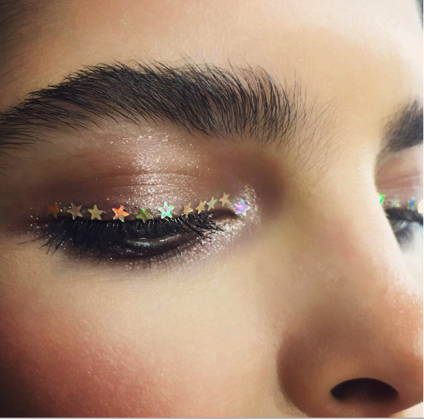 9 Christmas Makeup Ideas for Your Inspiration7