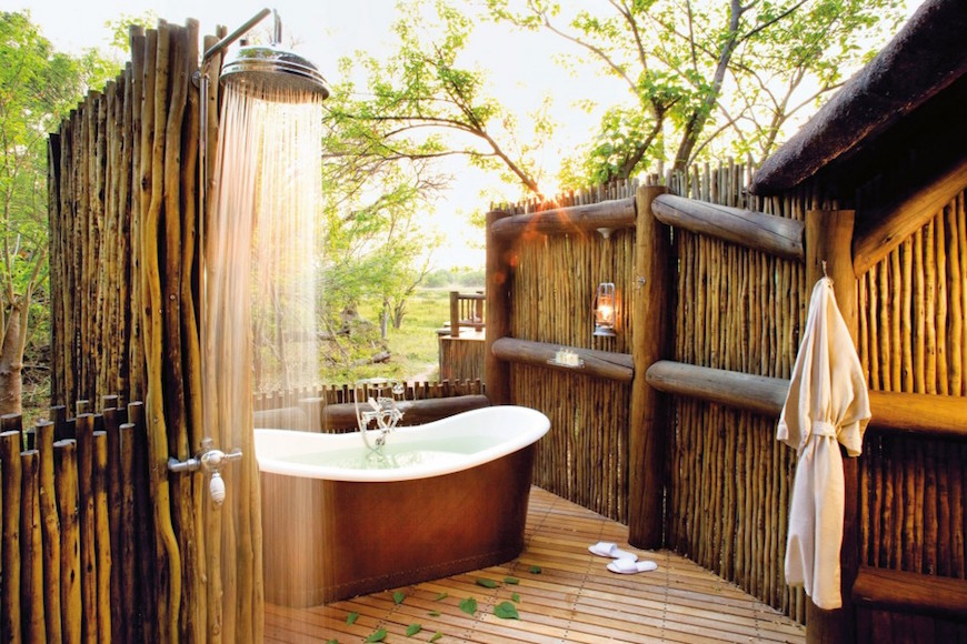 Eye-Catching-Tropical-Bathroom-Ideas-04