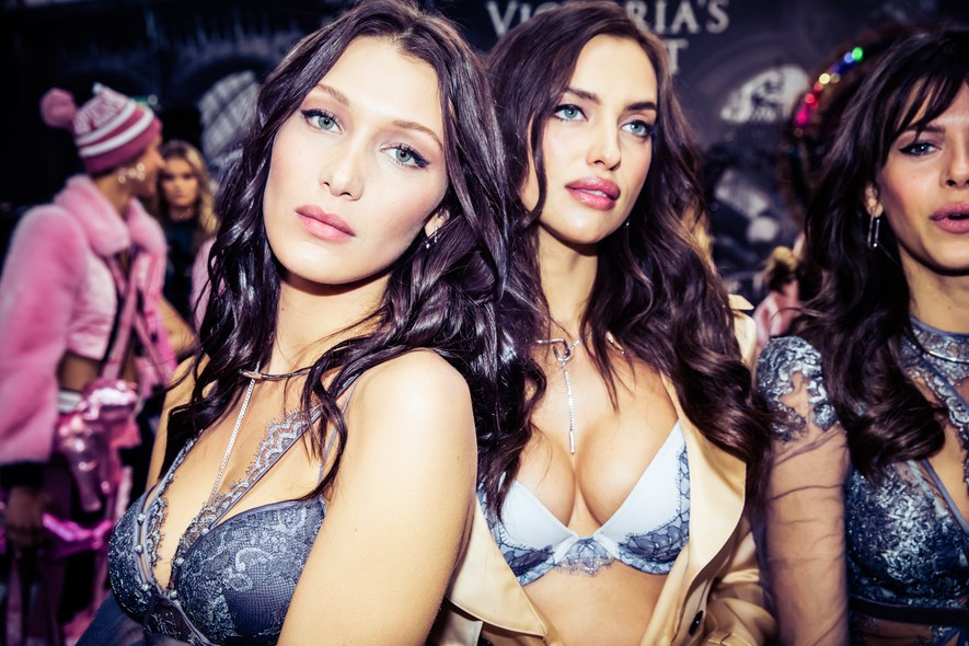 best-gigi-and-bella-hadid-moments-00