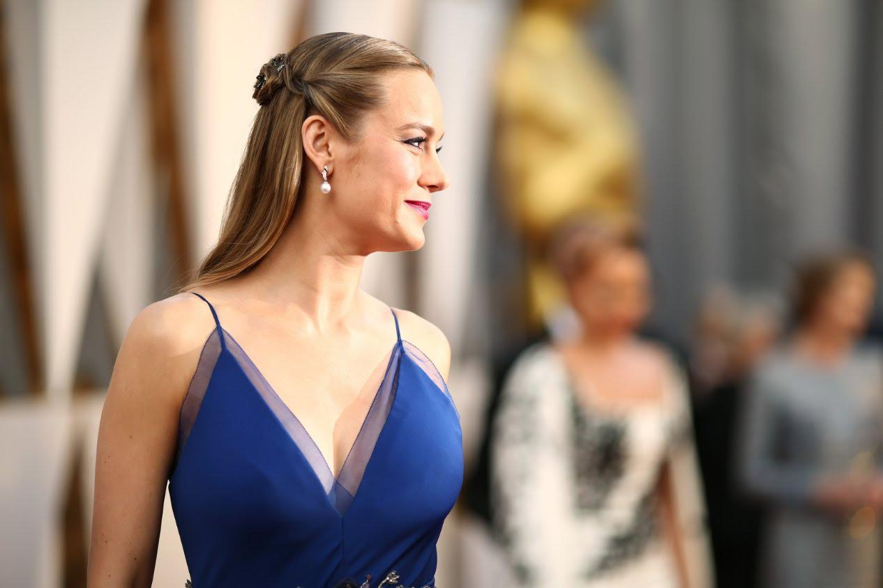 04-top-12-sexiest-female-celebrities-of-2016-margot-brie-larson