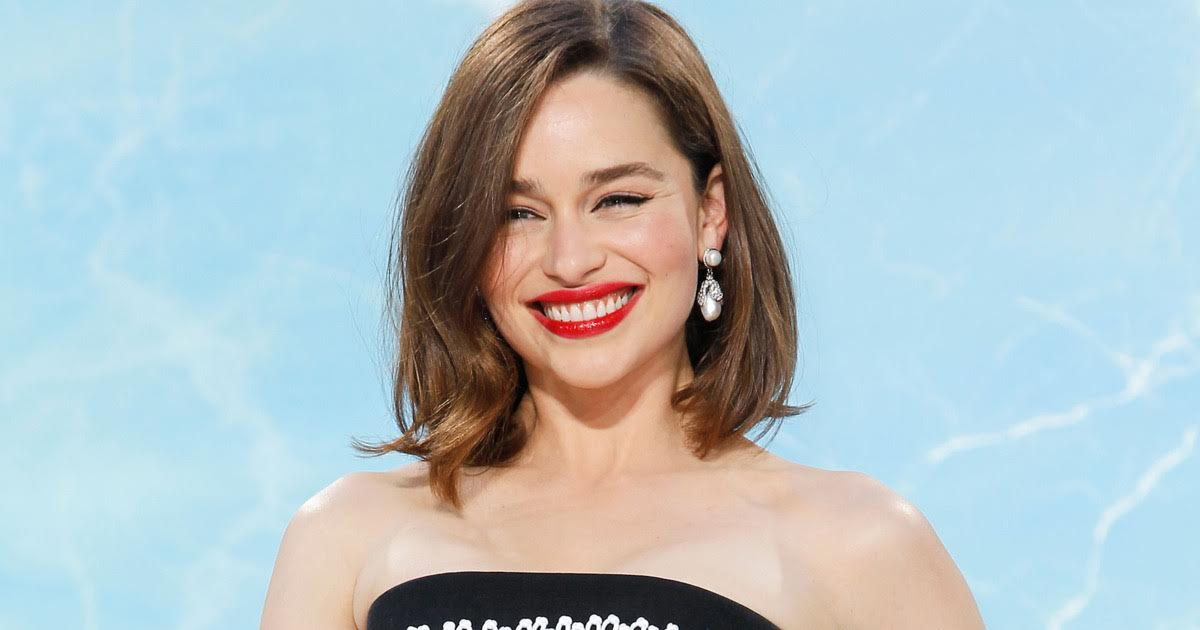 05-top-12-sexiest-female-celebrities-of-2016-margot-brie-emilia-clarke