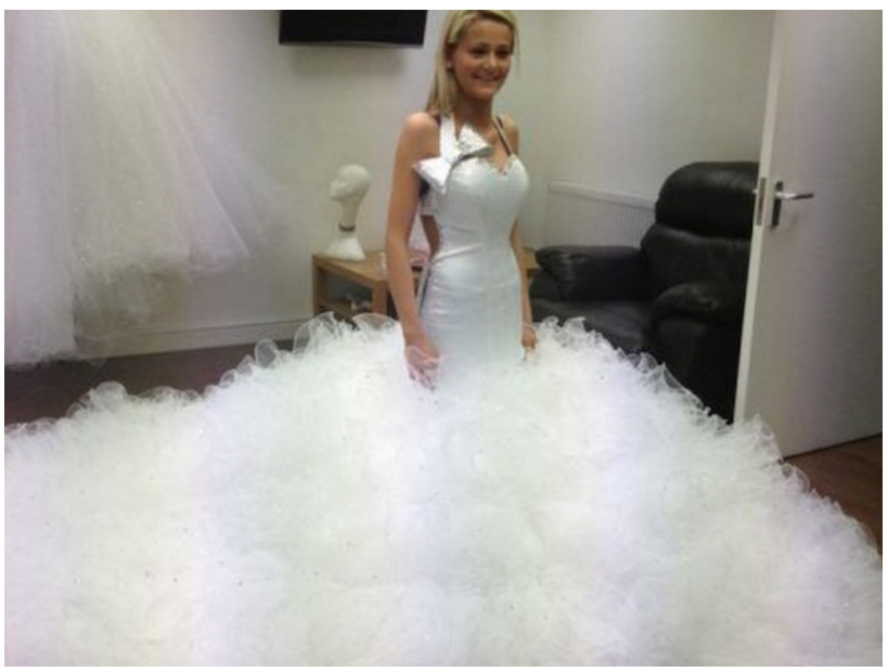 13_Of_The_Worst_Wedding_Dresses_You've_Ever_Seen_12