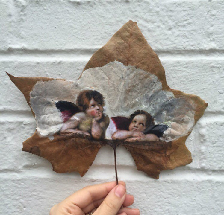 this-artist-is-painting-incredible-works-of-art-on-dried-leaves-03