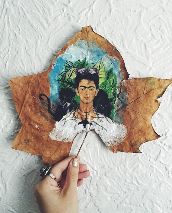this-artist-is-painting-incredible-works-of-art-on-dried-leaves-06