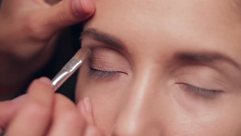 10_Tricks_That_Will_Make_Your_Makeup_Application_Easy_And_Flawless_1