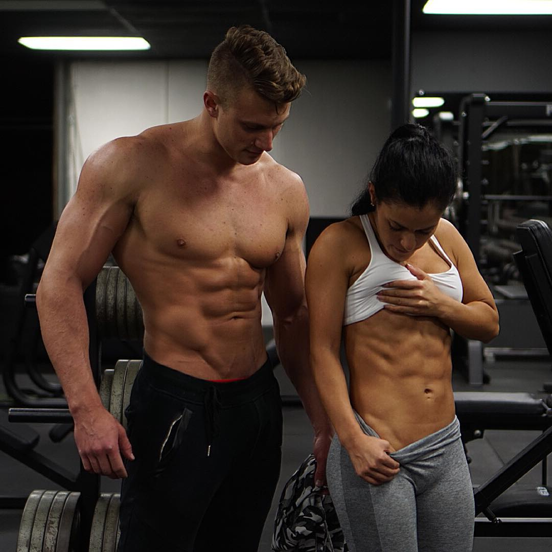 The-10-Fittest-Couples-on-Instagram-03