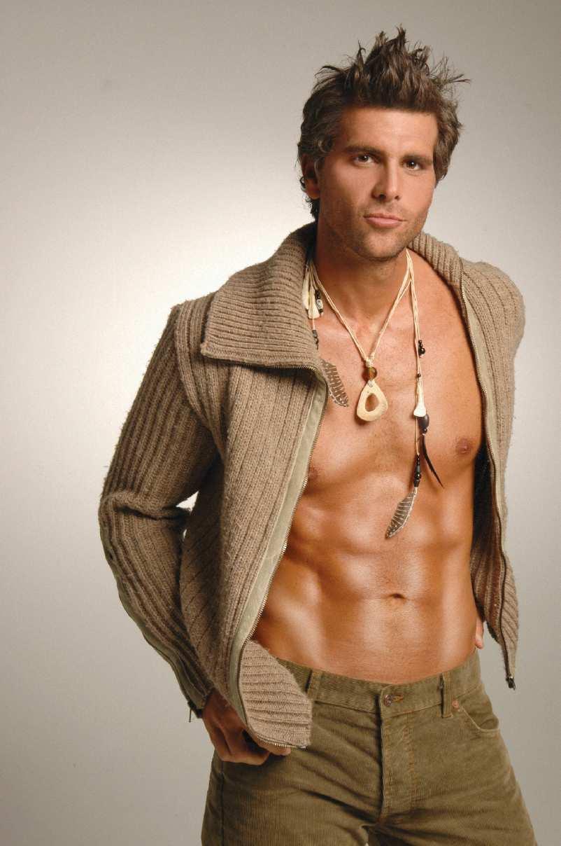01-actores-latinos-guapos-y-millonarios-christian-meier
