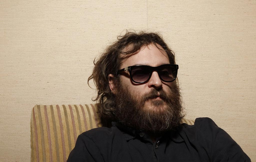 03-celebrities-that-are-complete-weirdos-joaquin-phoenix