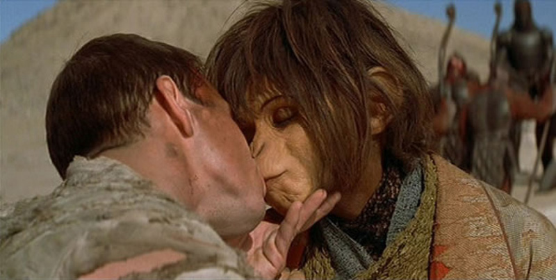 10-horrible-kissing-scenes-we-really-wish-to-unsee4