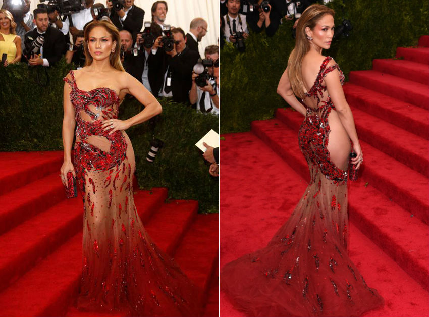 Naked_Dresses_How_The_Most_Confident_Celebs_Show_Off_Their_Curves6
