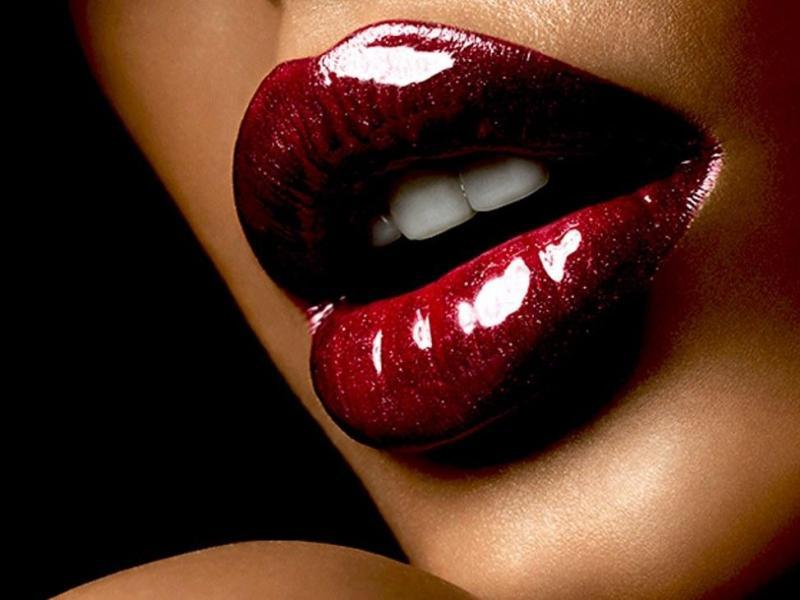 best-ways-to-wear-dark-lipstick-02