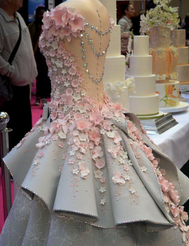This Wedding Dress Cake Is Insanely Instricate And Looks Like An