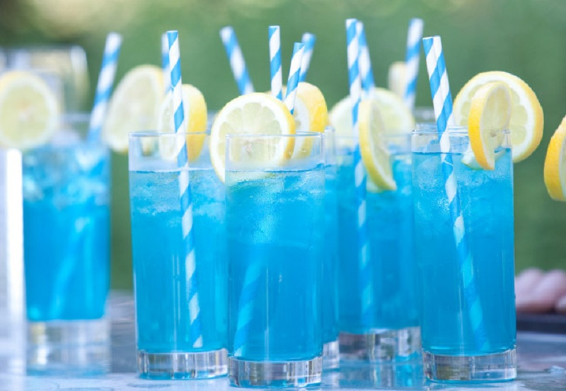 Electric lemonade Cocktail - Quirky Summer Drinks 4