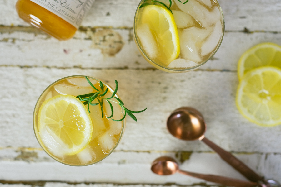 Whiskey Lemonade Cocktail - Quirky Summer Drinks 5