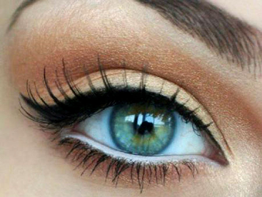Tips and Tricks of Under Eye Makeup 3