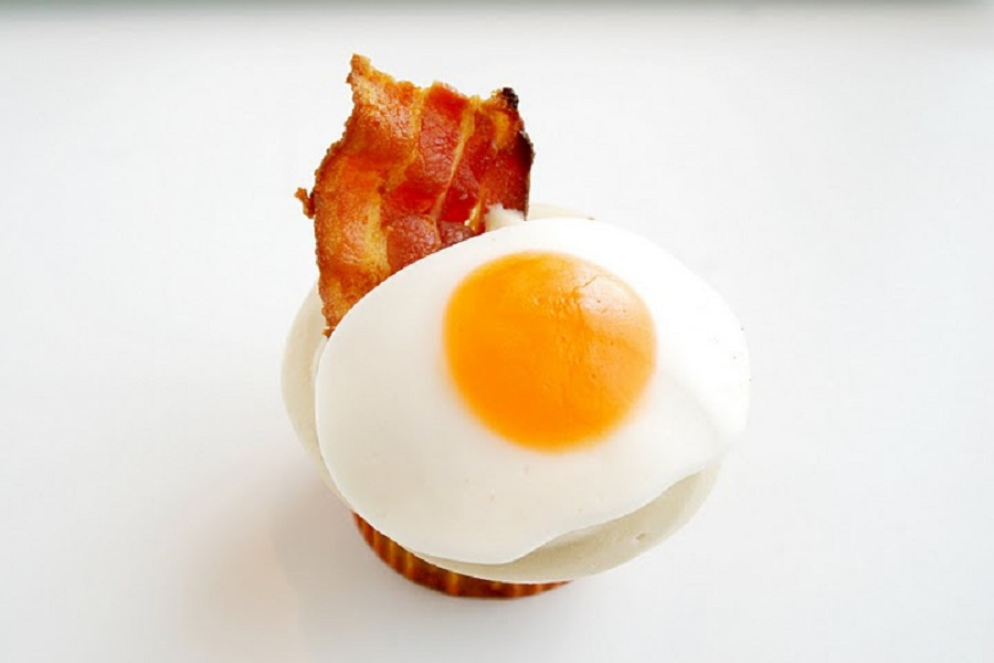 What Cupcake Are You According to Your Horoscope - Bacon cupcake