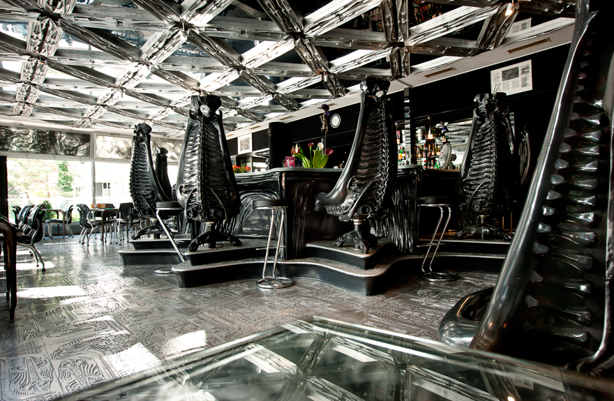 Giger bar - Top 10 Most Unusual Restaurants Around The World 1