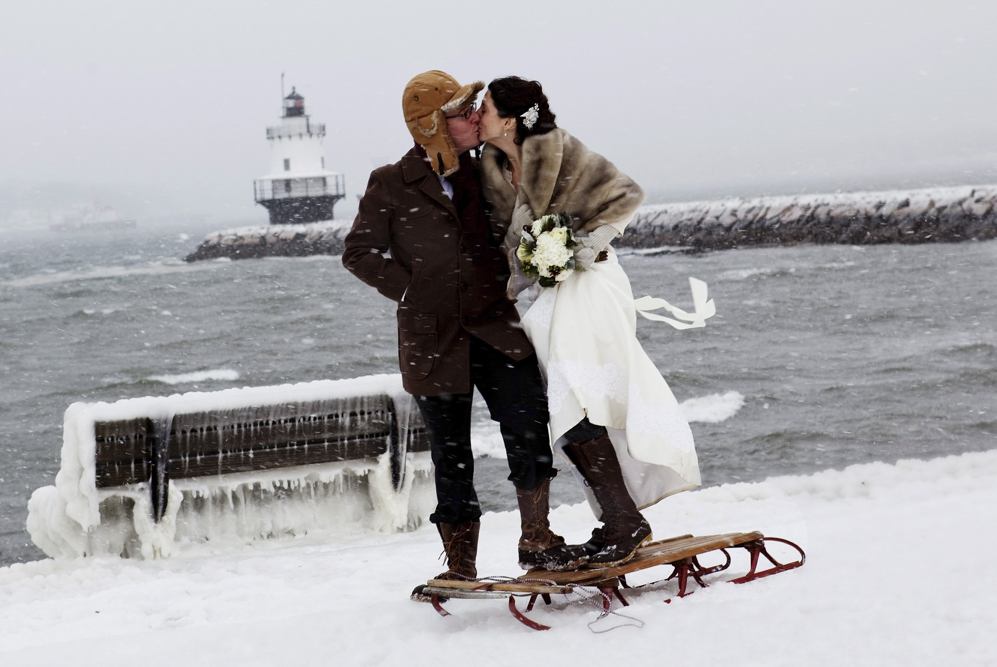 10 advantages of winter weddings