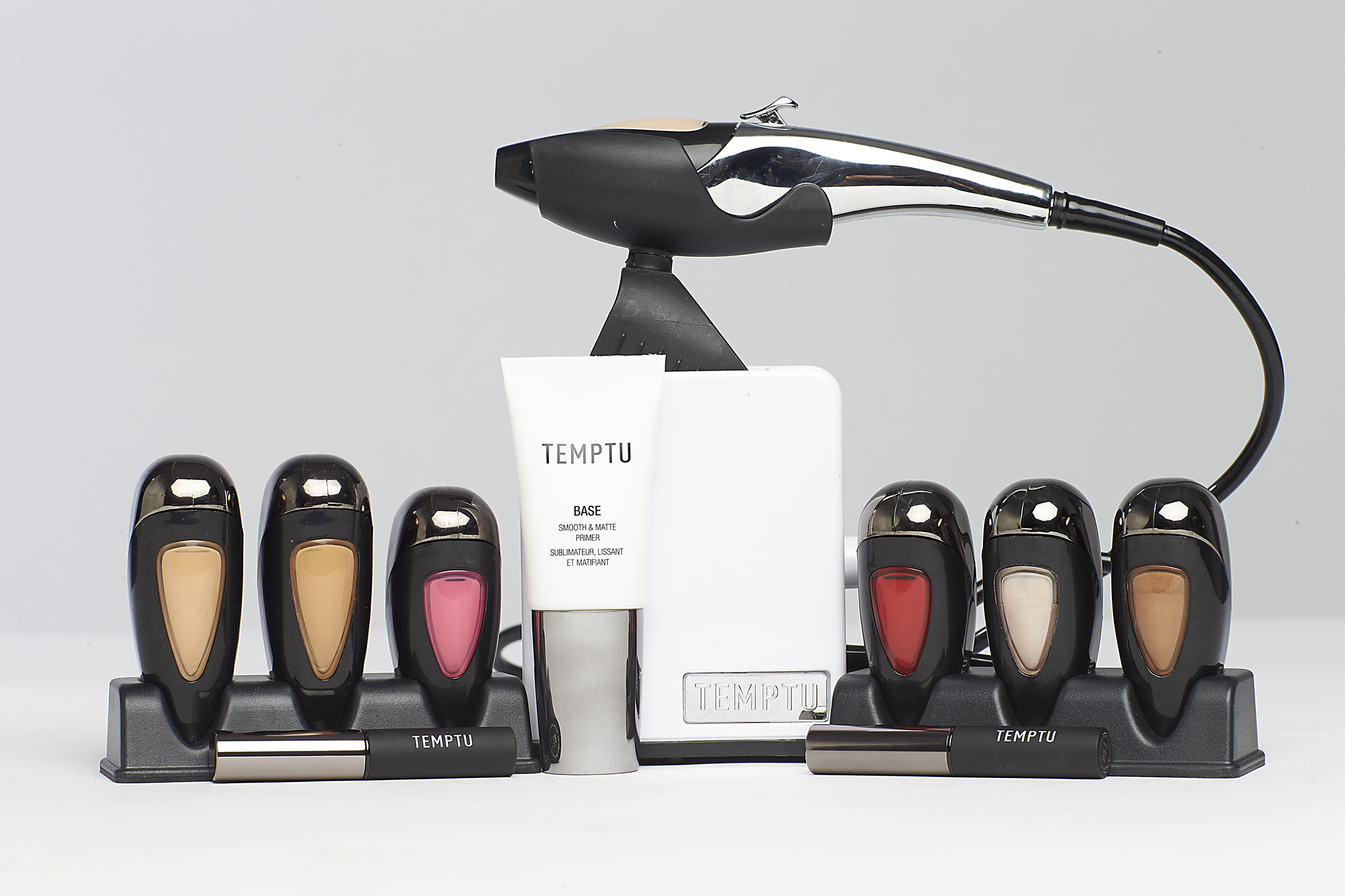 9. Airbrush Makeup System - Top 10 Beauty Gadgets