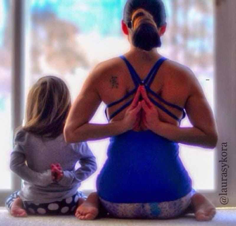 Laura and Mini, Yoga Mother and Daughter Who Conquered the World