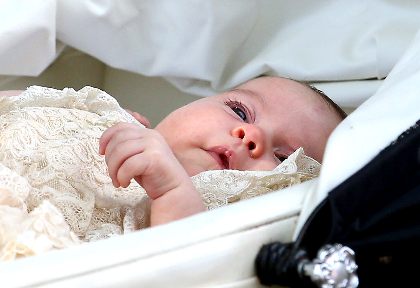 Prince George and Princess Charlotte - Perfect Portraits of Royal Babies 4