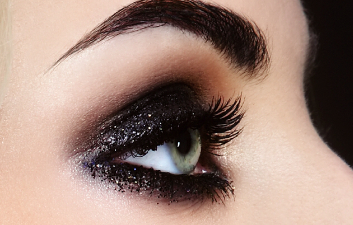 Smokey Eye Makeup To Look Great Day And Night 》 Her Beauty