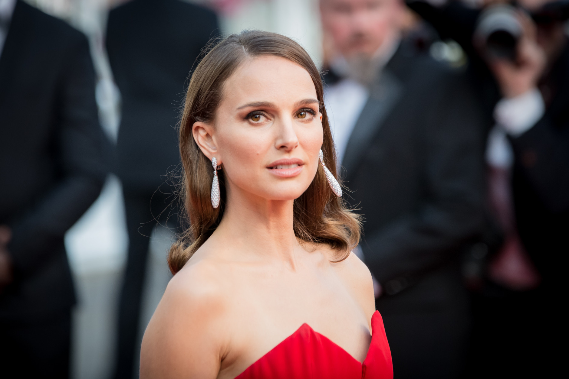 Natalie Portman arrives for the opening ceremony and for the screening of the film La Tete Haute (Standing Tall) at the 68th international film festival, Cannes, southern France, Wednesday, May 13, 2015. (Photo by Vianney Le Caer/Invision/AP)