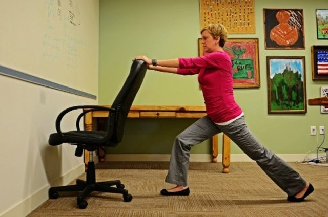 12 Easy Exercises You Can Do At The Office 5