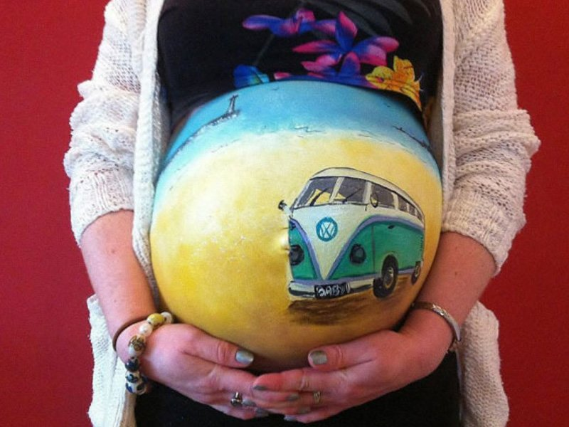 Fun And Creative Pregnancy Photo Ideas 6