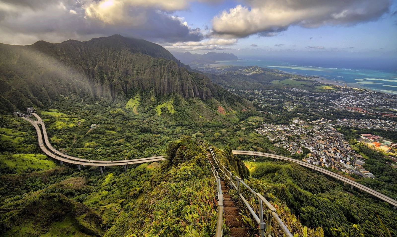 10. Haiku Stairs, Hawaii