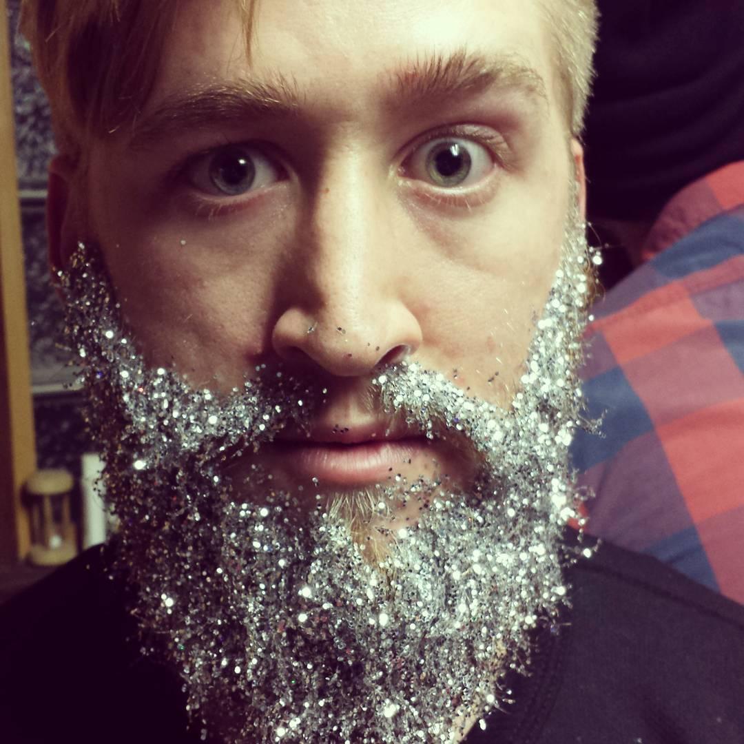 13 spectacular glitter beards on instagram her beauty 13spectacularglitterbeardsoninstagram03 solutioingenieria Gallery