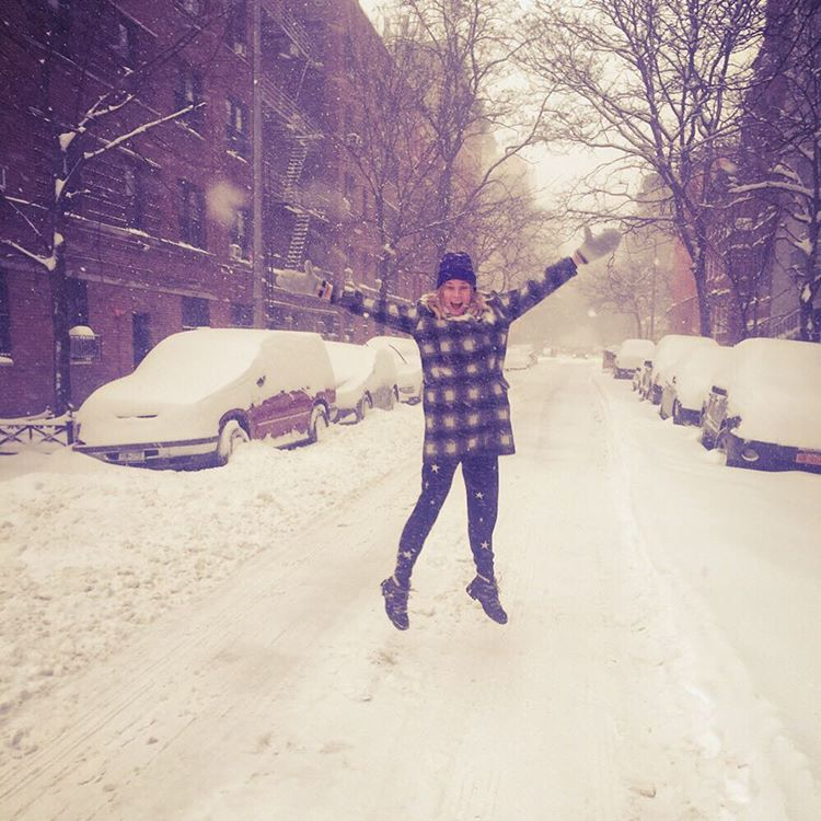 how_were_celebs_surviving_during_snowstorm_jonas_blizzard2016_09