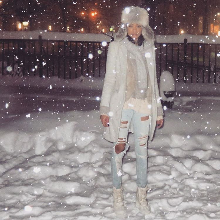 how_were_celebs_surviving_during_snowstorm_jonas_blizzard2016_15