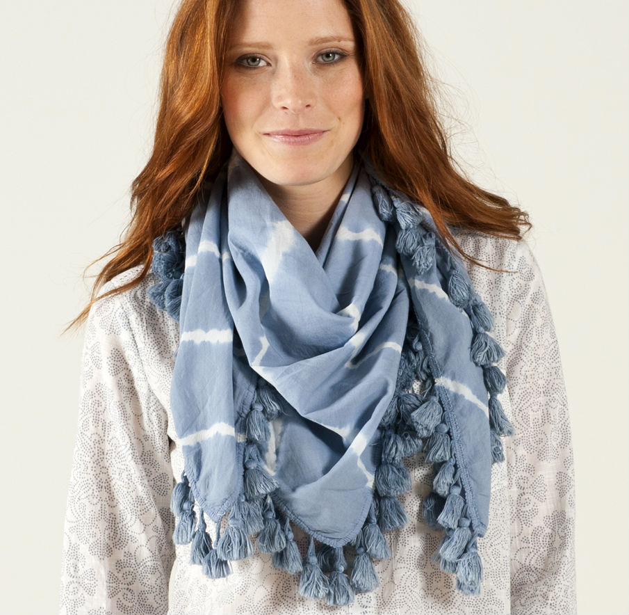stylish_ways_to_wear_scarf_this_winter_03