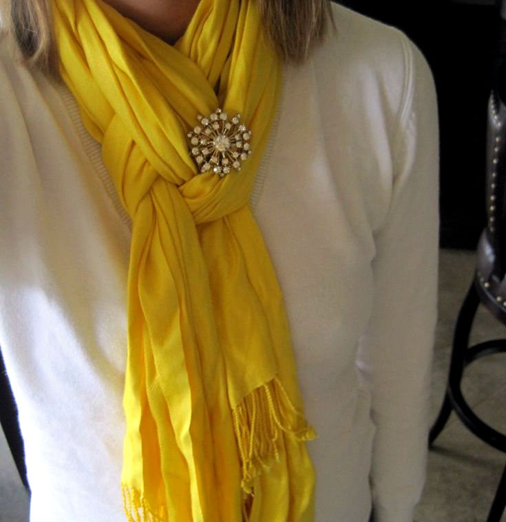 stylish_ways_to_wear_scarf_this_winter_09