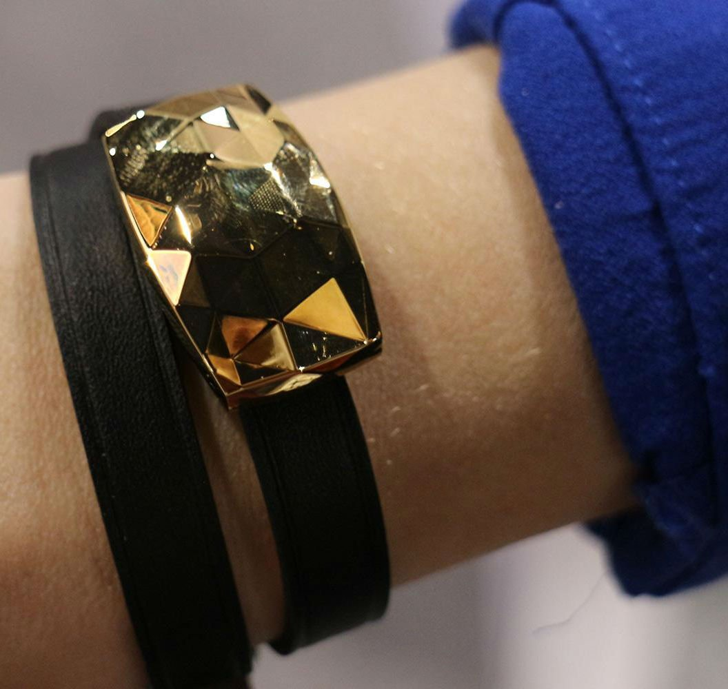 fashionable-and-futuristic-pieces-of-wearable-tech-07