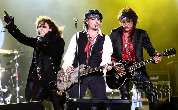 johnny-depp-alice-cooper-grammys
