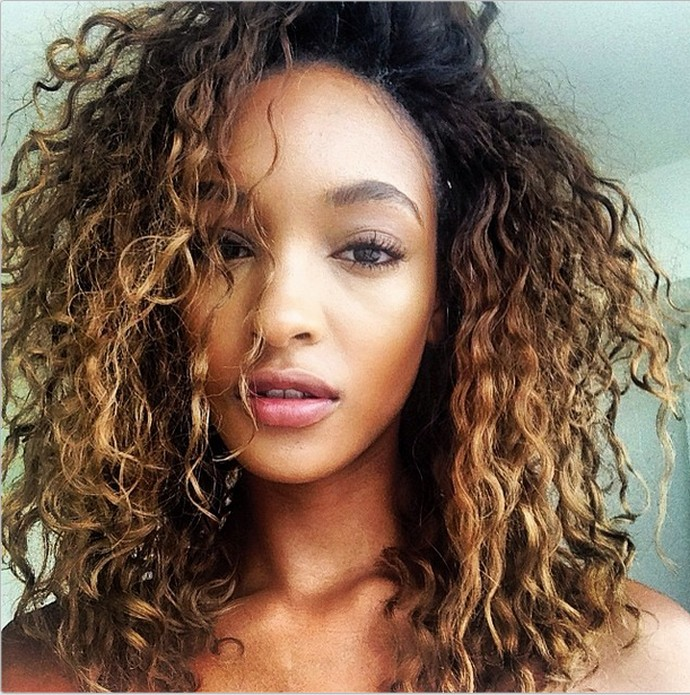 gorgeous-celebs-who-showed-us-what-their-real-and-natural-hair-looks-like-15