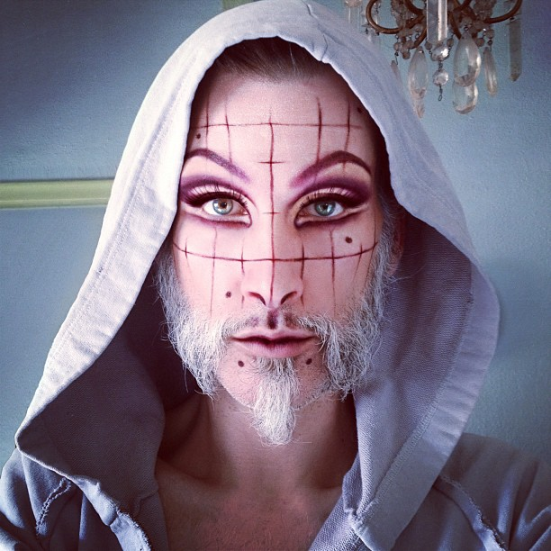 mathu_andersen_a_genius_makeup_artist_who_elevated_selfies_to_an_art_form_02