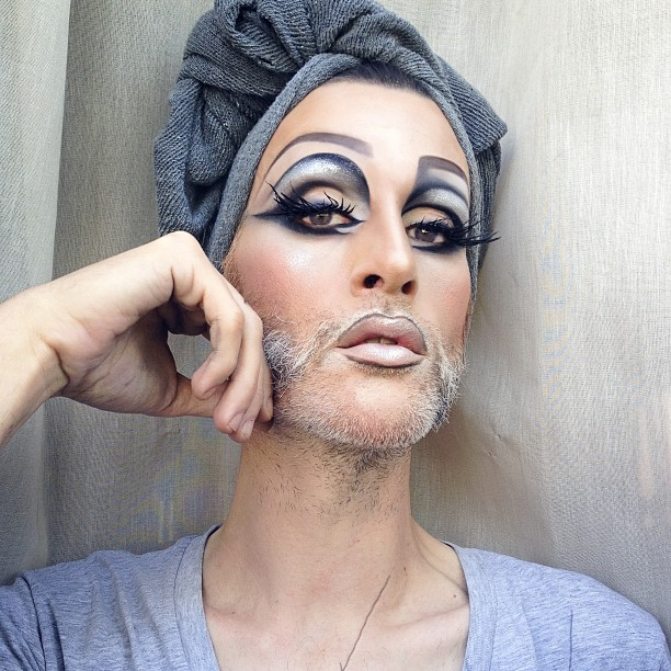 mathu_andersen_a_genius_makeup_artist_who_elevated_selfies_to_an_art_form_05