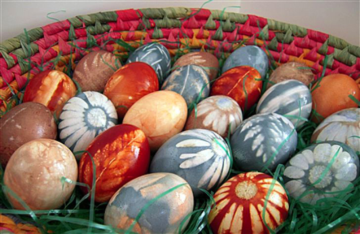 natural_and_homemade_diy_easter_egg_decorating_ideas_to_ttry_02