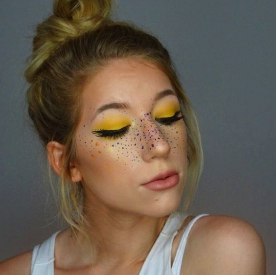 rainbow_freckles_a_whimsical_beauty_trend_youll_adore_06