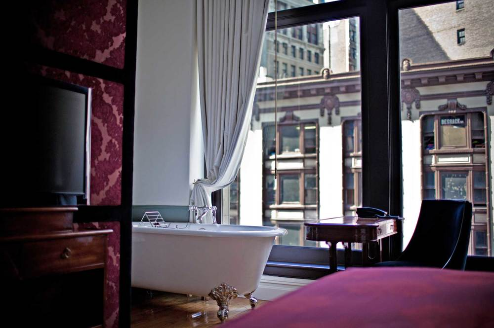 stunning_luxury_hotels_in_nyc_that_prove_you_need_to_treat_yourself_06